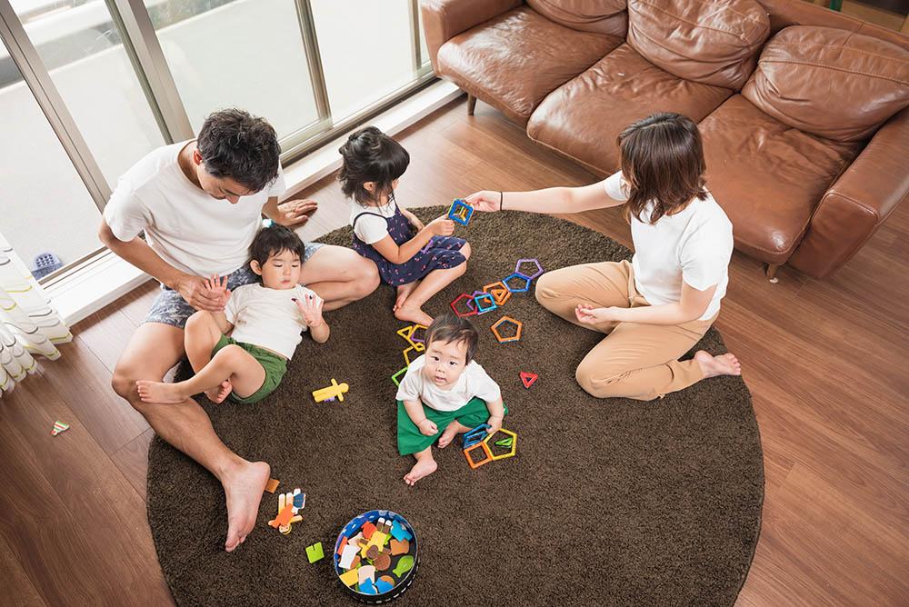 家族団らんの写真