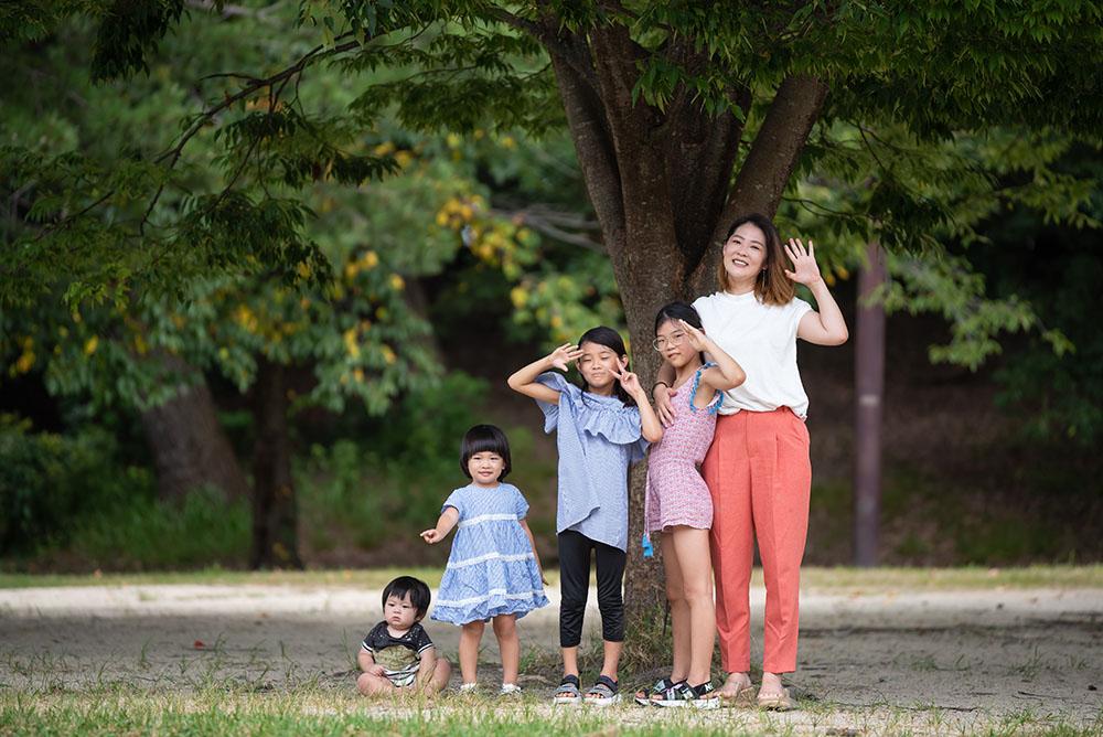 公園での家族写真